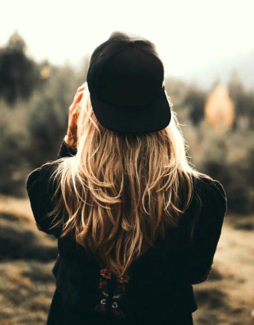 kapelusze dla niej.jpg